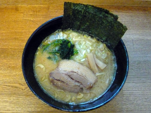 麺屋黒琥7とんこつ醤油ラーメン