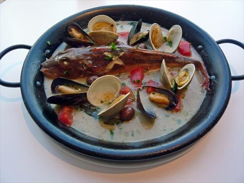 トラットリアボッソ5房総産鮮魚のアクアパッツア