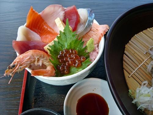 ダイニング梟6海鮮丼セット